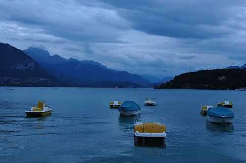 s-dark-lake-annecy-2309-a